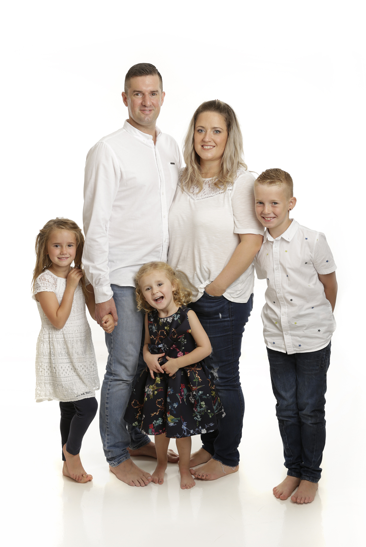 portrait of a family of 5 by Family photographer Dumfries